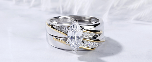 TWO TONE MARQUISE CUT RING SET