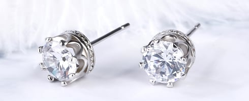 CLASSIC CROWN STUD EARRINGS